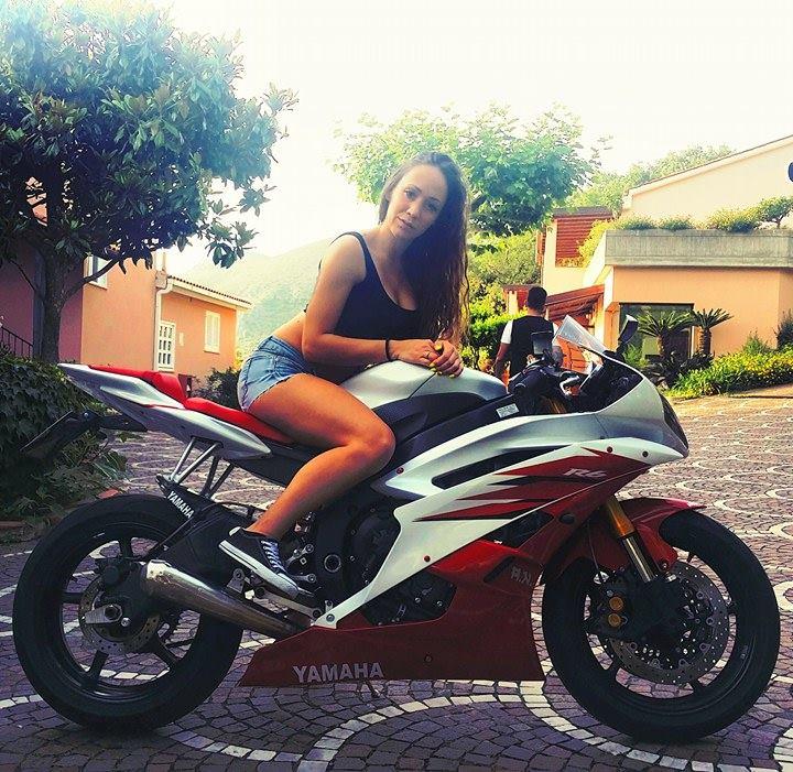 Antonella3_ragazze_in_moto