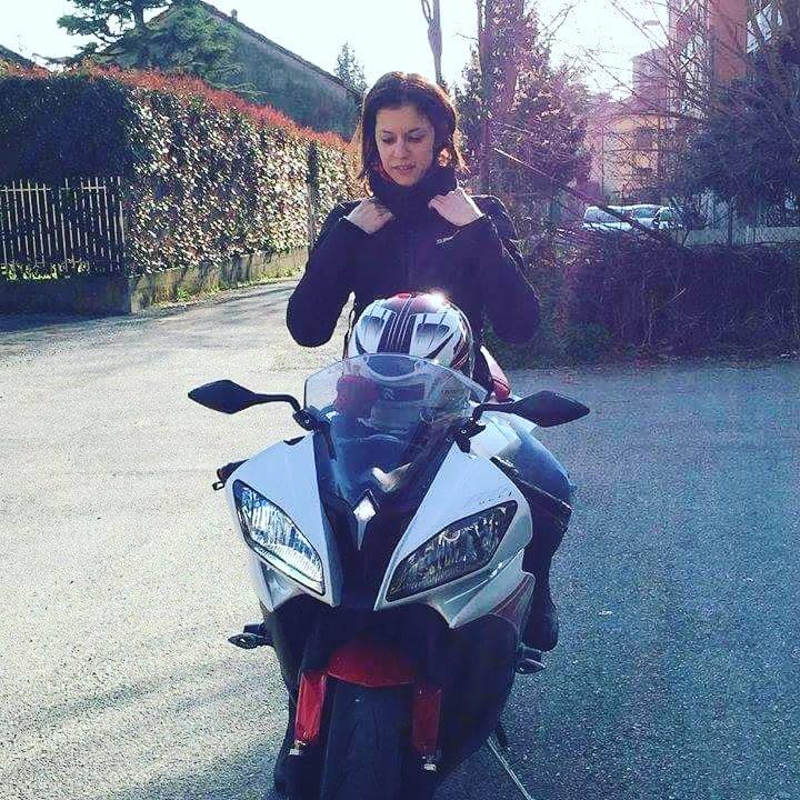 Isabella_ragazze_in_moto