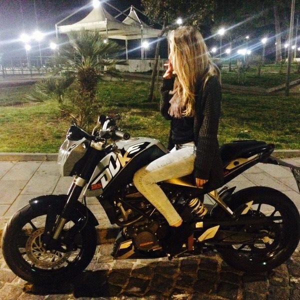 Alessia_ragazze_in_moto