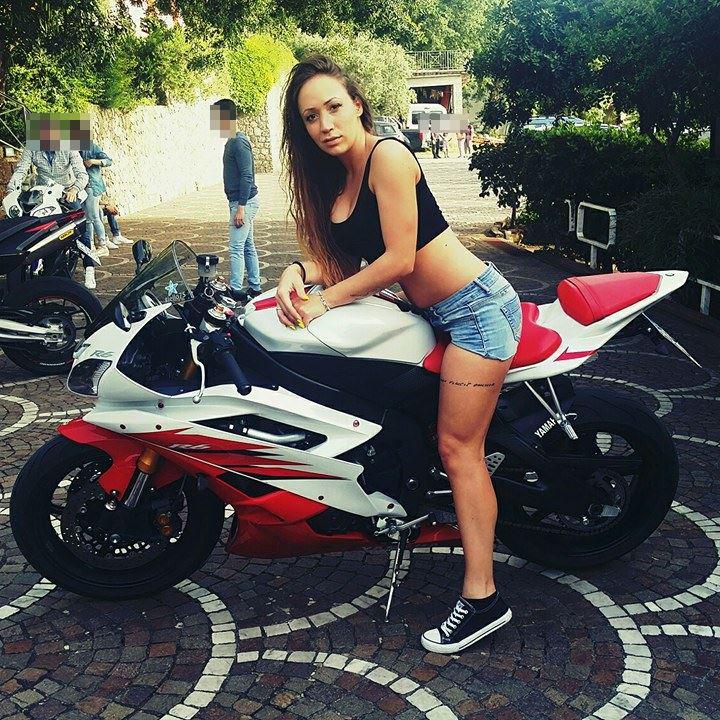 Antonella2_ragazze_in_moto