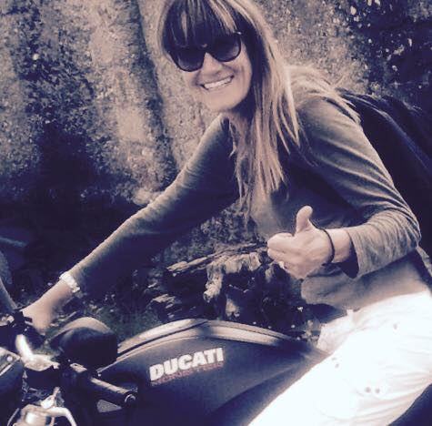 Corinna_ragazze_in_moto