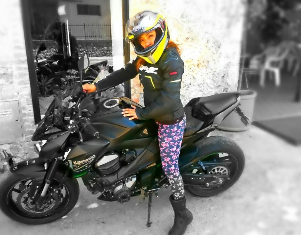 Denisse_ragazze_in-moto
