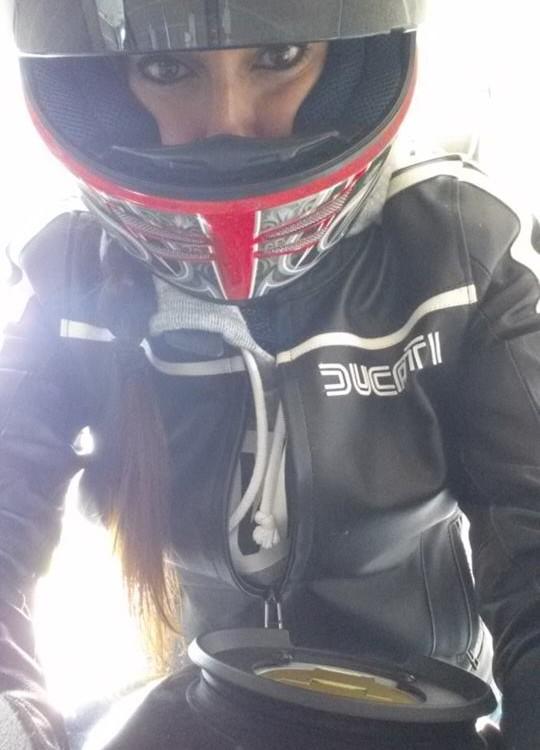 Eleonora_ragazze_in_moto