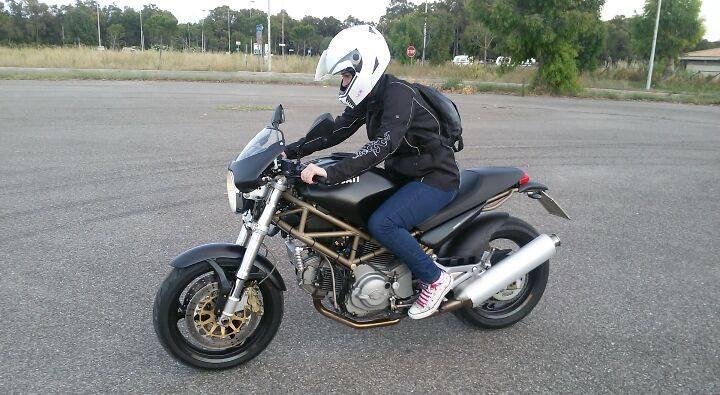 Graziana_ragazze-in-moto-mini-concorso