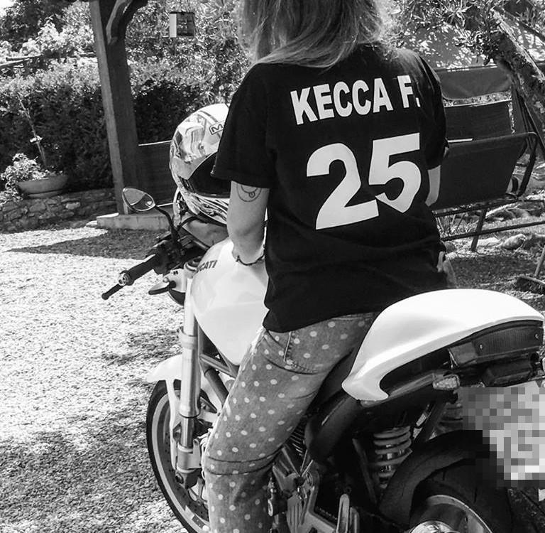 Kecca_ragazze_in_moto