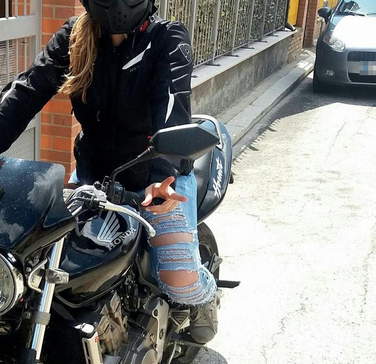 Maria_ragazze_in_moto