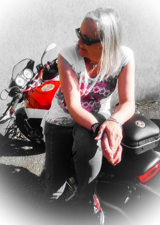 Sonia_ragazze_in-moto