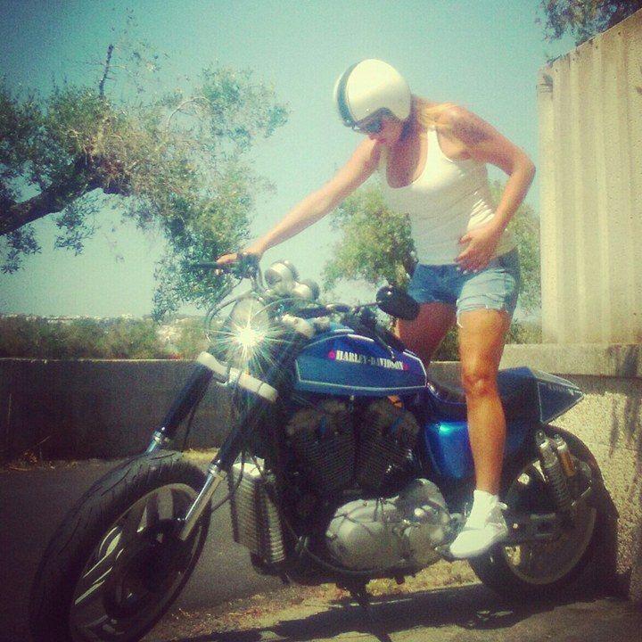 Annalisa_ragazze_in_moto