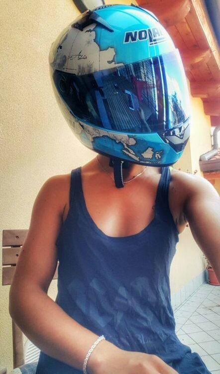 Clara_ragazze_in_moto