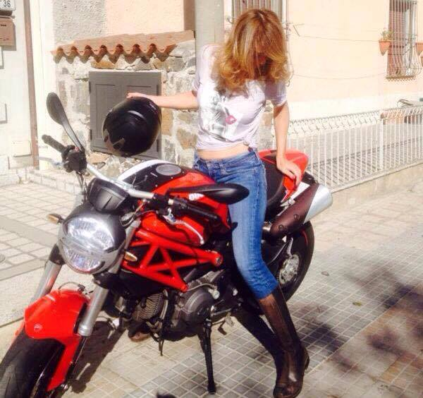 Daniela_ragazze_in_moto