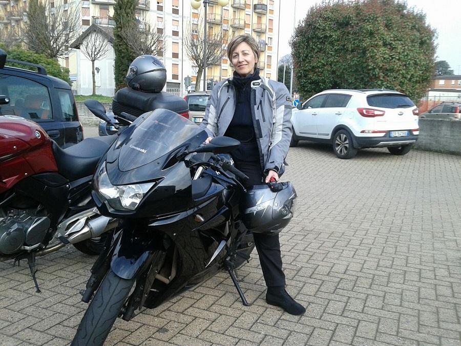 Emanuela_ragazze_in_moto
