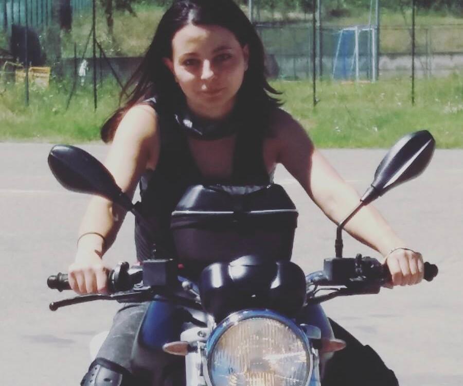 Memole_ragazze_in_moto