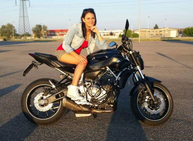 claudia__ragazze_in_moto