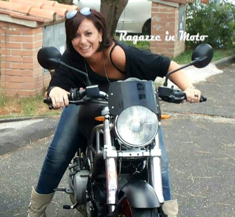 Kate_ragazze_in-moto