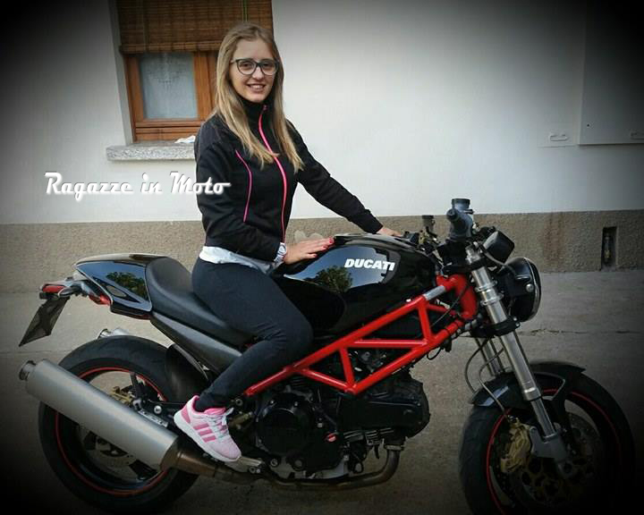 marta_ragazze_in_moto