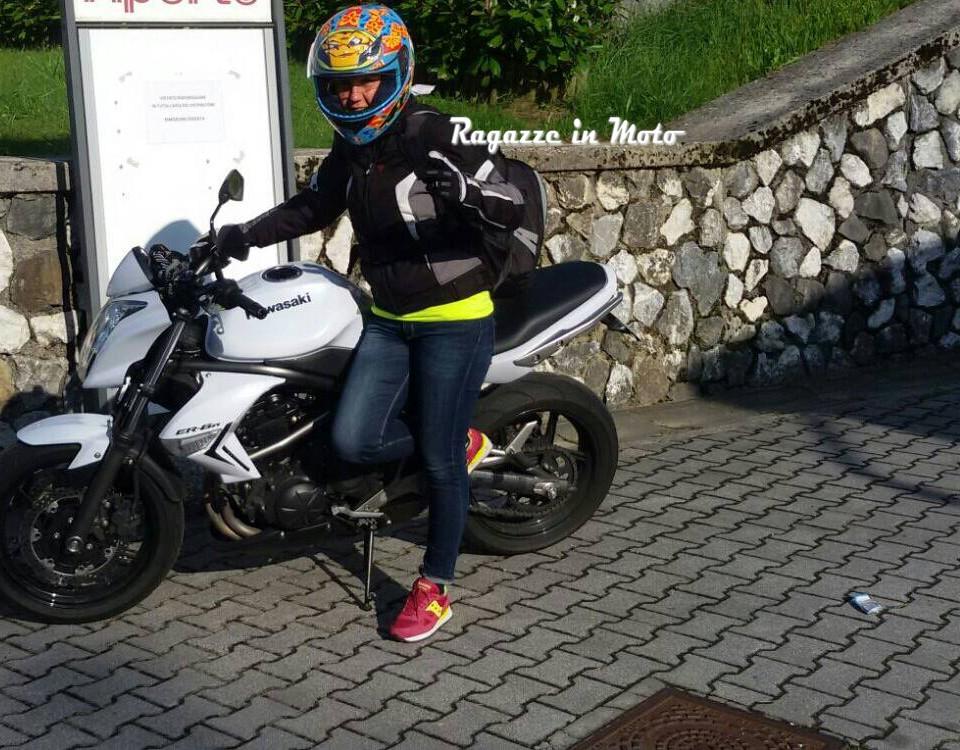 nicoletta_ragazze-in-moto