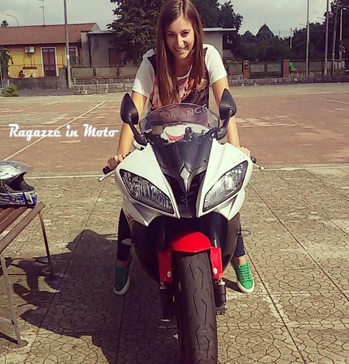 Carola_ragazze_in_moto