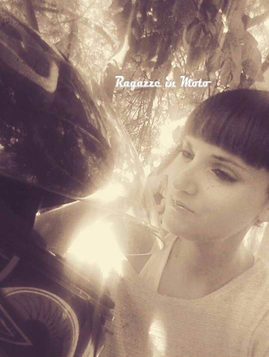 Luana_ragazze_in_moto
