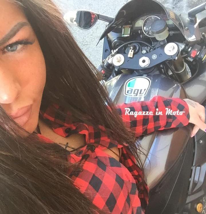 Melania_ragazze_in_moto