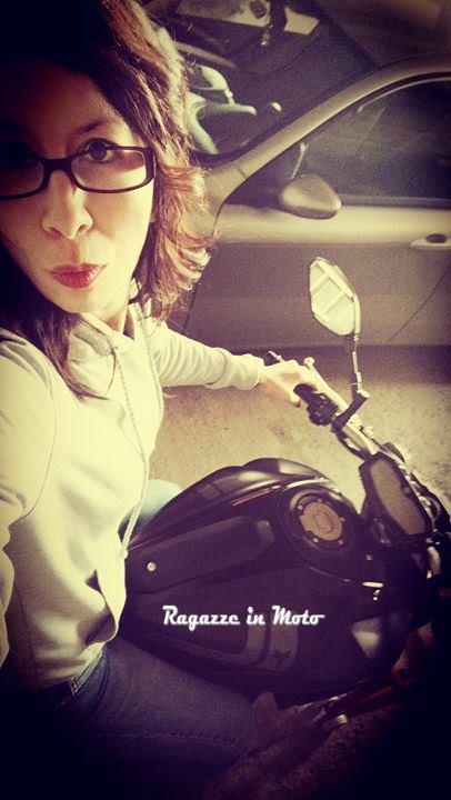 Pamela_ragazze_in_moto