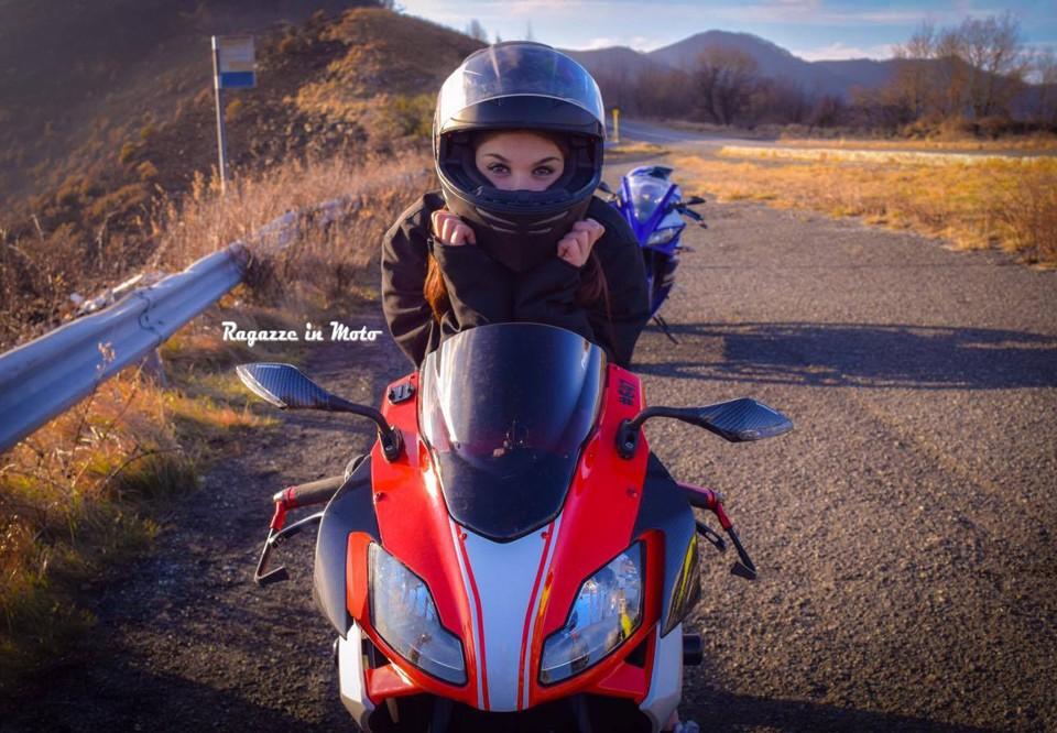 Kim_ragazze-in-moto