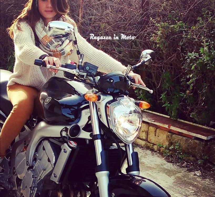 cinzia-ragazze_in-moto