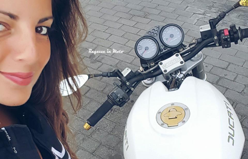 nadia_ragazze_in-moto