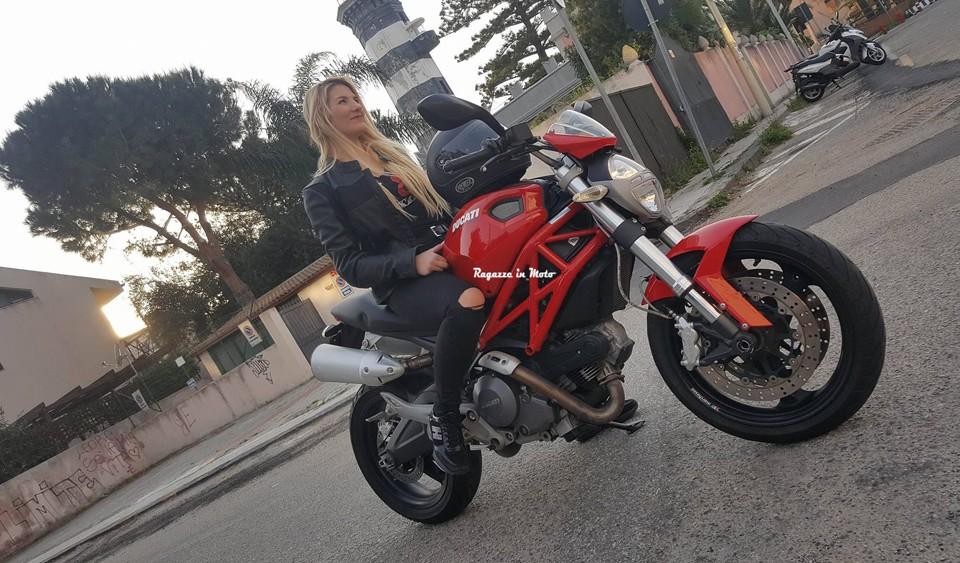 elsa_ragazze_in-moto
