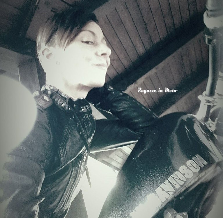annalisa_ragazze-in-moto