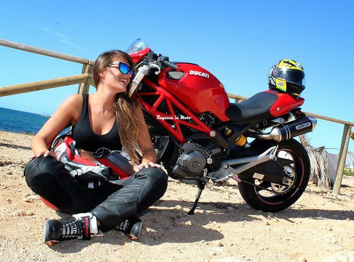 rossy_ragazze_in-moto