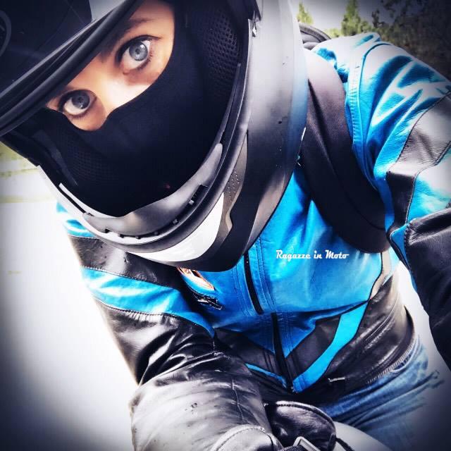 alice_ragazze-in-moto