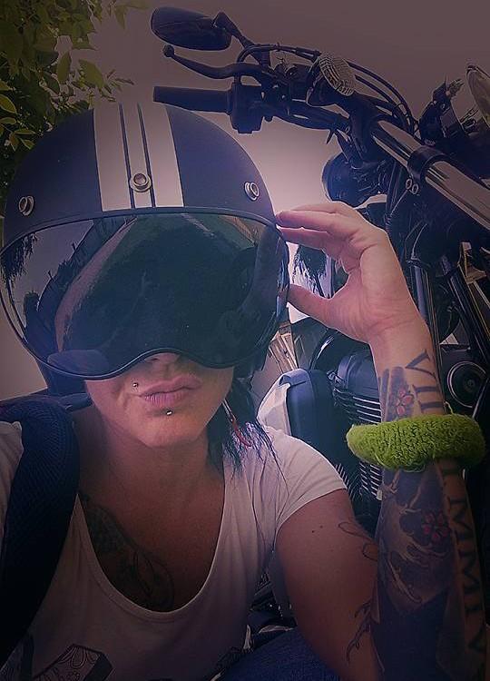 jlenia_ragazze-in-moto