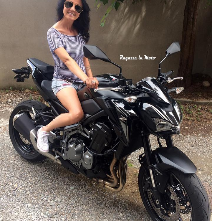 dany-ragazze_in-moto