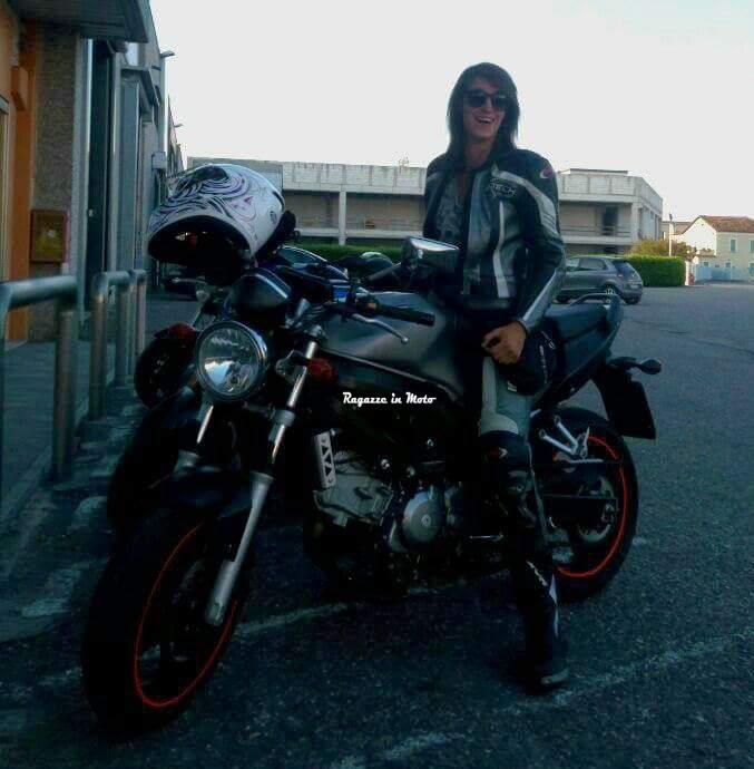 laura_ragazze-in-moto