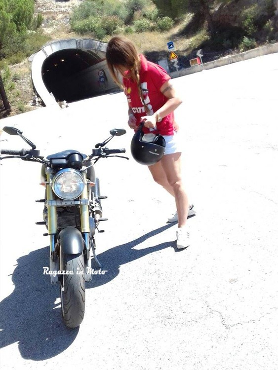 marianna_ragazze-in-moto