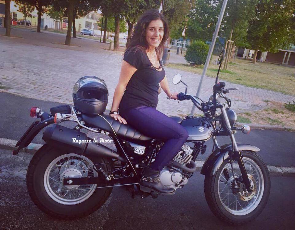 serenella_ragazze_in_moto