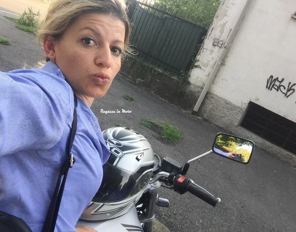 arjana_ragazze-in_moto