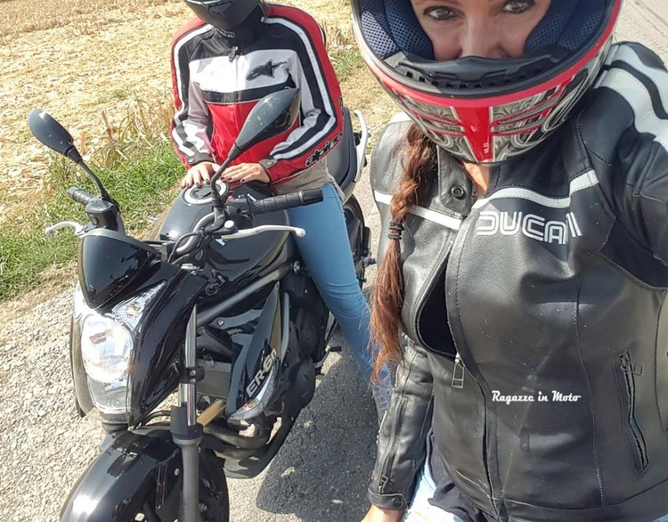 eleonora_ragazze-in-moto