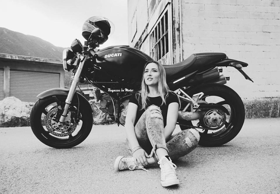 eleonora_ragazze_in-moto