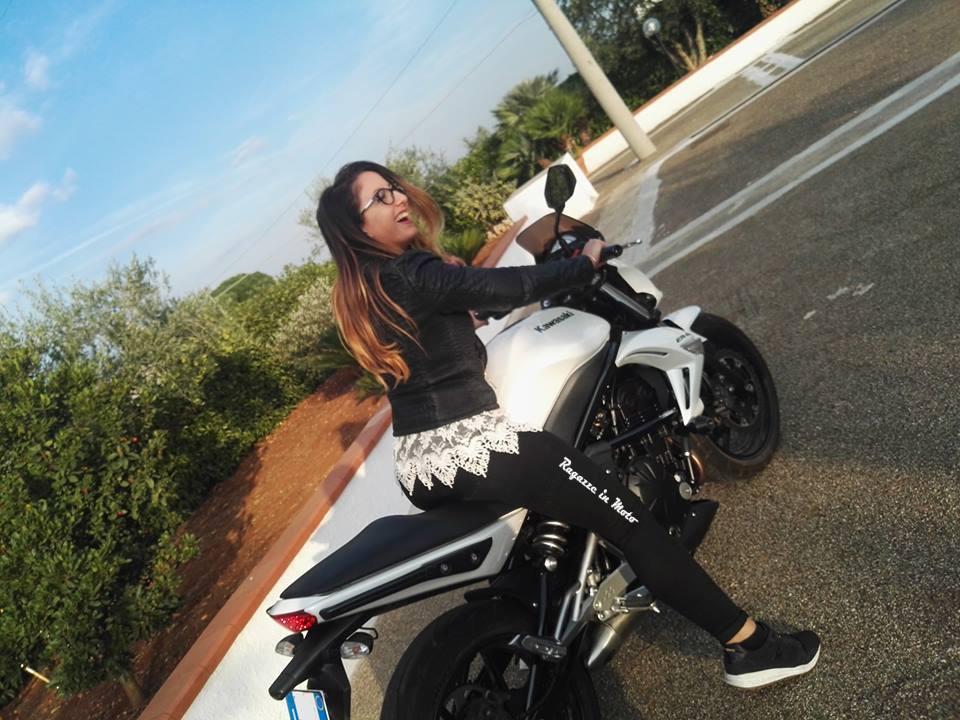 marilena-ragazze_in-moto