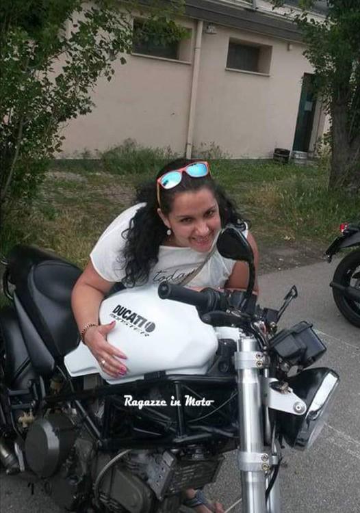 merlina_ragazze_in_moto