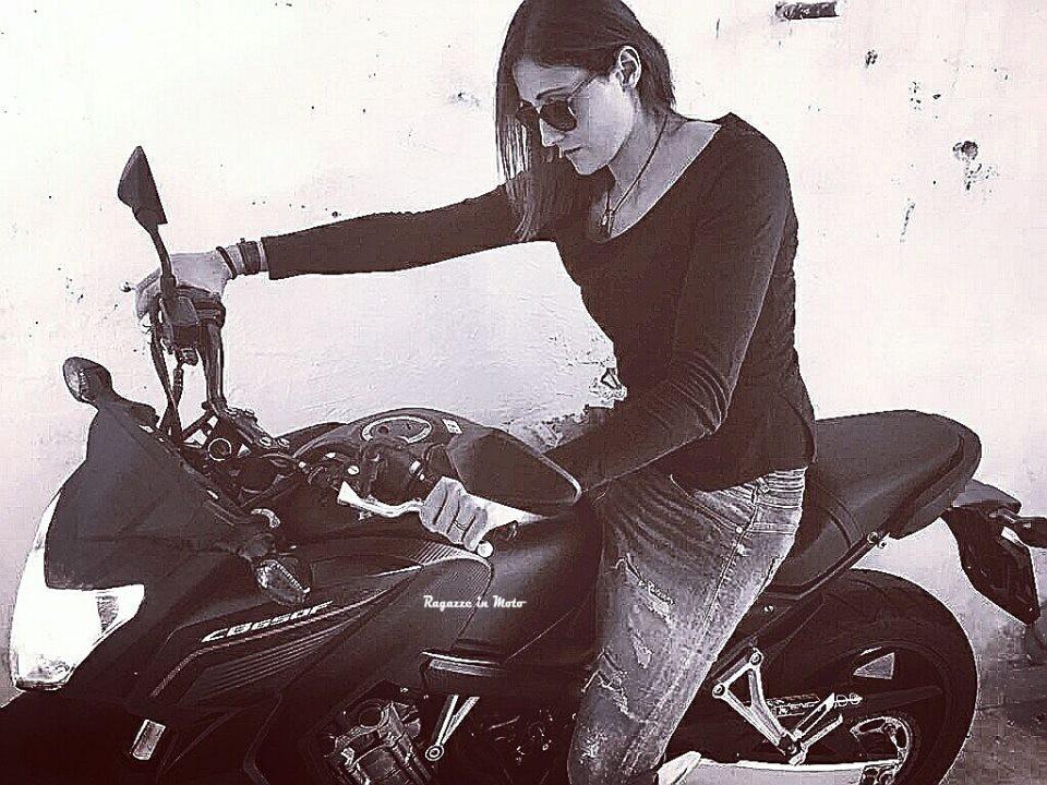 sharon_ragazze-in_moto