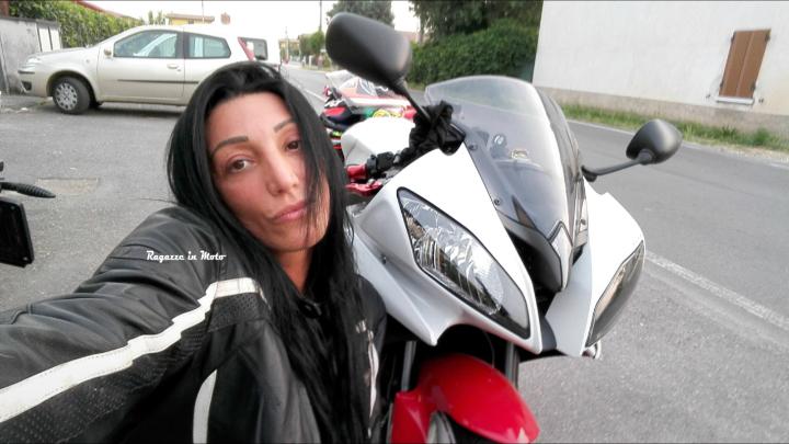 angela_ragazze-in-moto