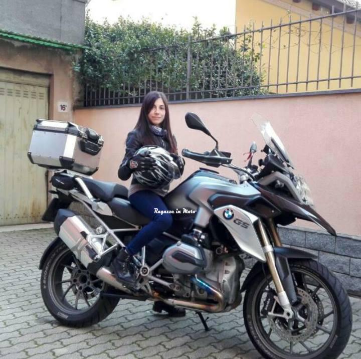 angie_ragazze-in-moto