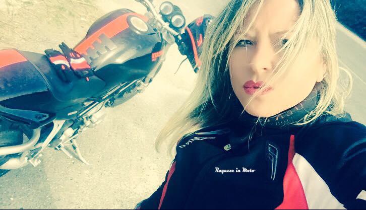tamara_ragazze_in-moto