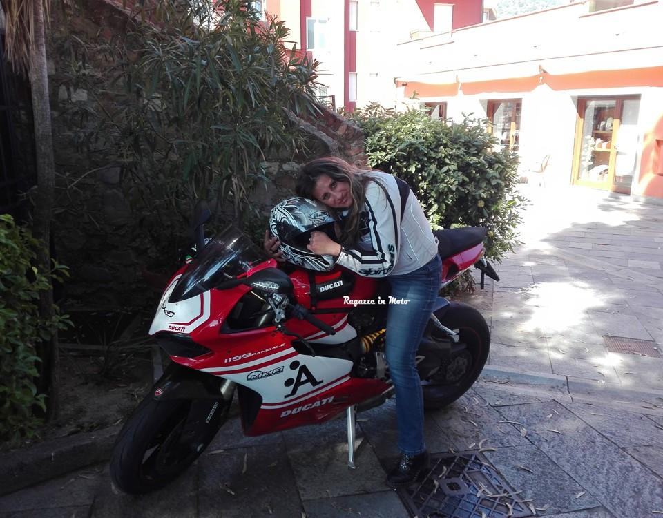 noemy_ragazze_in_moto