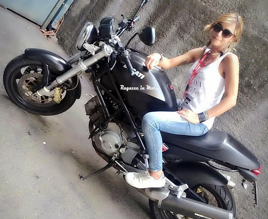 cri_ragazze_in_moto