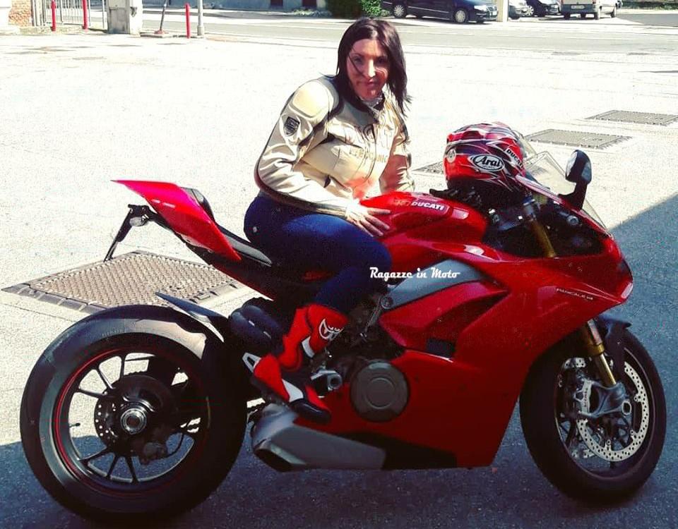 emanuela_ragazze-in-moto