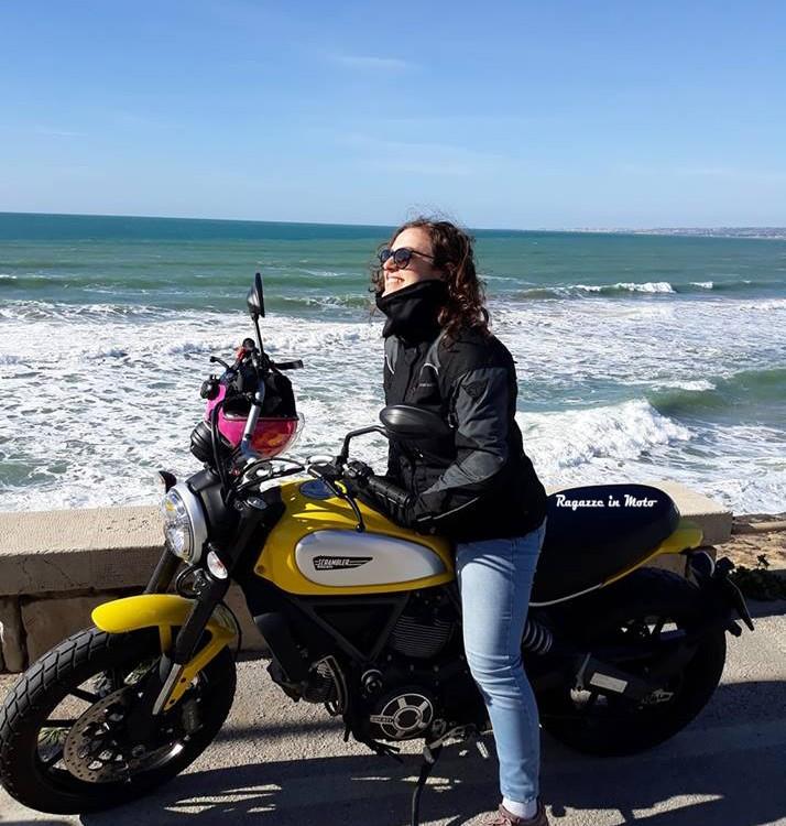 Alessandra_ragazze_in-moto