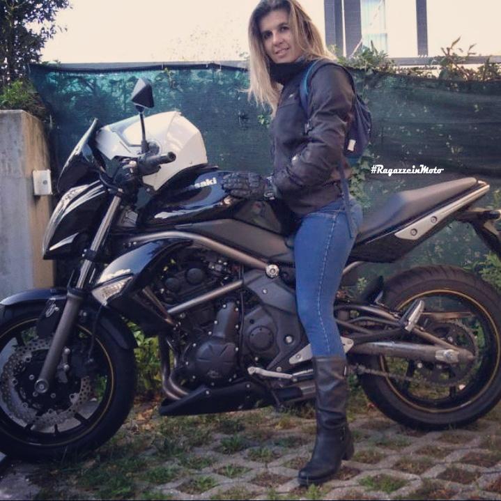 caterina_ragazze_in_moto